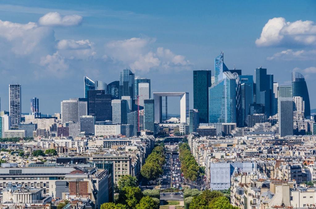 Paris Un Toit dans le monde