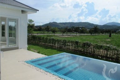 13732 - 3 bdr Villa for rent in Hua Hin - Cha Am