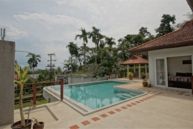 Sea view villa for sale in Cape Yamu