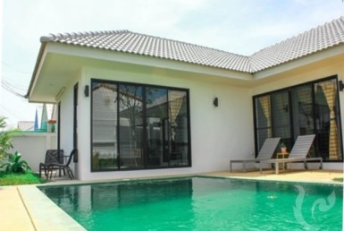 6745 - 2 bdr Villa Hua Hin - Black Mountain