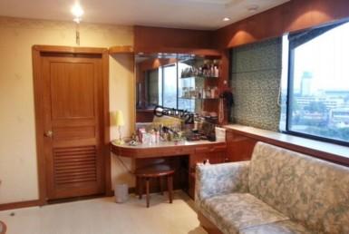 Bangkok Phrom Phong - Bright Condominium for Rent [ABKR1061TP]
