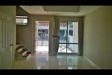 Bangkok Bangchak - Townhouse for Rent [HBKRS1052TP]