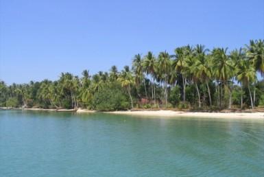 Phuket / Naka Island : Unique Beach front land plot