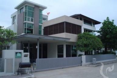 6828 - 4 bdr Villa for sale in Bangkok - Srinakarin
