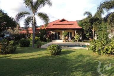 5008 - 3 bdr Villa for sale in Samui - Lamai