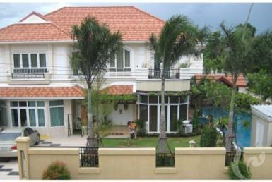 4964 - 10 bdr Villa for sale in Bangkok -