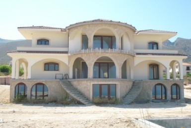 Magnificent villa under constuction