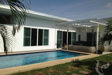 4948 - Luxurious house in East Pattaya Siam Country Club