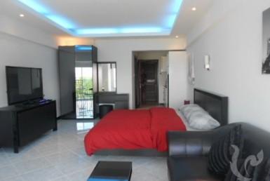 4824 - Condo near the beach in residential Pratumnak Hill